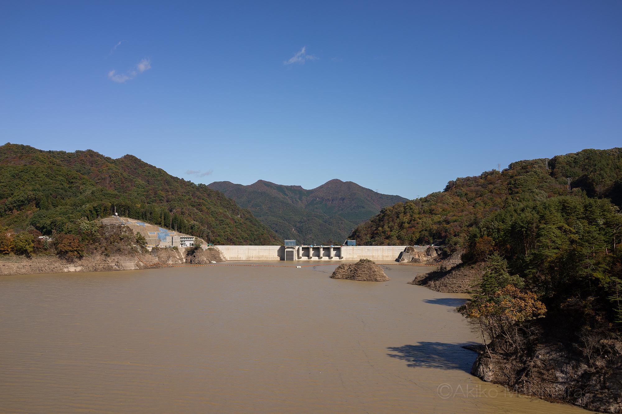 川原湯温泉駅は高みに昇り、旧駅は八ッ場ダムに沈む②