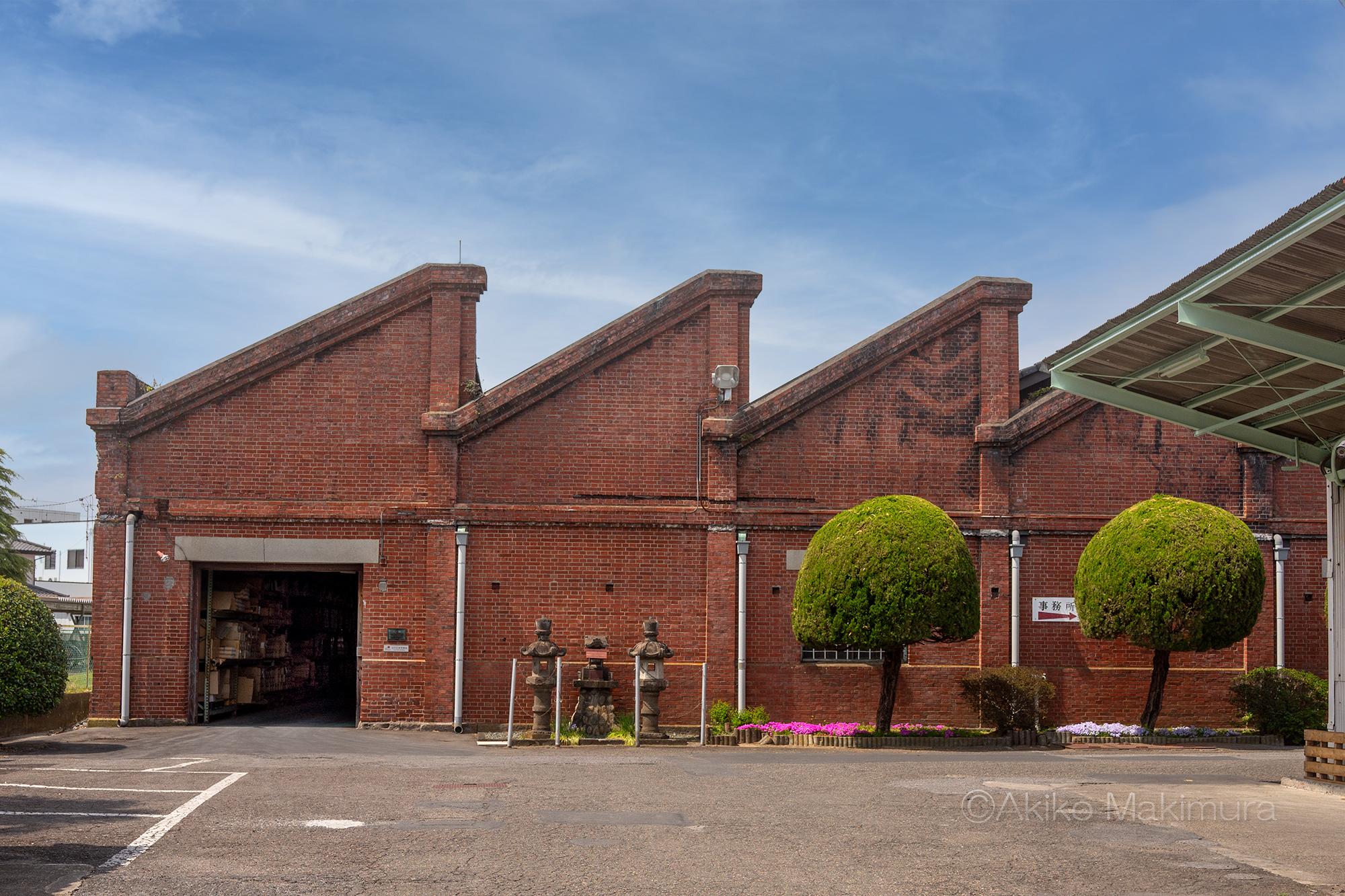 のこぎり屋根のレンガ工場を訪ねて