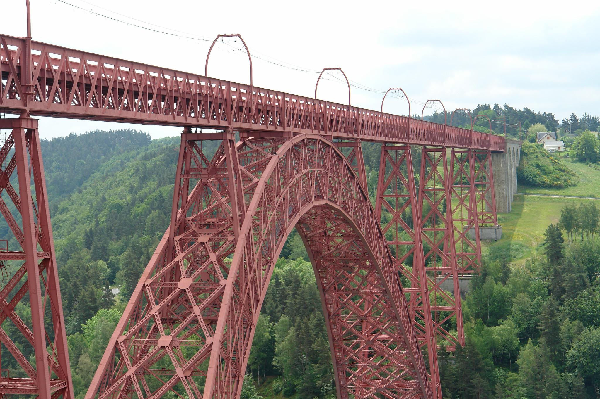 19世紀開通の「ガラビ橋」、映画で使われるほどの美しさ